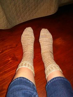 Learning to knit Guernsey socks with this Craftsy class! I am on the cuff and the smocked pattern. Knitting Socks, Smocking, Ravelry, Two By Two, Pattern, Fashion, Knit Socks, Moda, Sock Knitting