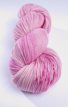 KAL: Mansikkapehmis - MCN,  Superwash Merino/Cashmere/Nylon, sock weight, 100 gr