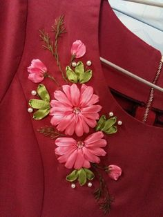Ideas Embroidery Rose Dress Silk Ribbon For 2019 Ribon Embroidery, Ribbon Embroidery Tutorial, Border Embroidery Designs, Hand Embroidery Dress, Christmas Embroidery Patterns, Floral Embroidery Patterns, Embroidery Monogram, Embroidery Fashion, Ribbon Work