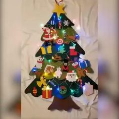 Led Christmas Tree, Colorful Christmas Tree, Christmas Crafts For Kids, Christmas Projects, Christmas Tree Decorations, Holiday Crafts, Christmas Diy, Christmas Ornaments, Contemporary Christmas Trees