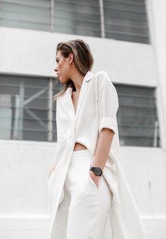 white look fashion Fashion Moda, Look Fashion, Fashion Design, Fashion Trends, Minimal Fashion, White Fashion, Minimal Chic, Minimal Classic, Models