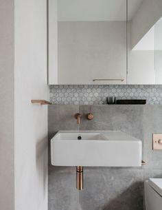 Trendy bathroom vanity hardware home decor ideas Bathroom Tile Designs, Bathroom Layout, Bathroom Wall, Modern Bathroom, Small Bathroom, Bathroom Ideas, Bathroom Vanities, Bathroom Renovations, Master Bathroom