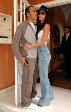 Lewis Hamilton and Nicole Scherzinger Photo - Lewis Hamilton And Nicole Scherzinger Out In Sao Paulo