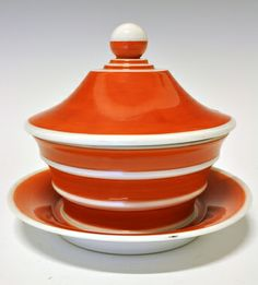 Soup-tureen by Nora Gulbrandsen for Porsgrund Porselen, 1931 Orange You Glad, Orange Is The New, 1930s House, Orange Crush, Awesome Things, Feng Shui, Art Deco, Porcelain, Mid Century