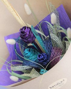 The Paua Wildflower Flax Bouquet is inspired by the striking colours you find in the New Zealand Paua (Abalone) Shell. Handwoven flax roses handtied with Hapene Flax . Flax Weaving, Basket Weaving, Hand Weaving, Plant Hanger, Wild Flowers, Floral Arrangements, Wall Ideas, Bouquets, Plants