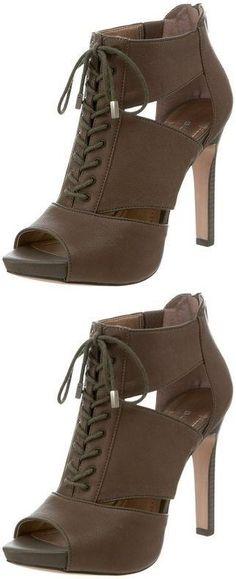 69.99$  Buy now - http://vircd.justgood.pw/vig/item.php?t=eyrrnz58150 - Size 9.5 BCBG (Leather) Womens Shoe! Reg$130 Sale$69.99 LastPairs! 69.99$