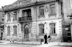 Znalezione obrazy dla zapytania balkon kamienica Ppr, City Photo, Period, Cities, Photos, Pictures, City