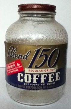 Coffee Jars, Coffee Tin, Coffee Corner, Vintage Food, Vintage Coffee, Vintage Recipes, Vintage Packaging, Coffee Packaging, Antique Coffee Grinder