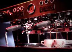 la marzocco espresso machine: designed for the ultimate workflow Cappuccino Machine, Espresso Machine, Green Cafe, Italian Coffee, Coffee Culture, Machine Design, Best Coffee, Amazing Architecture, Nespresso