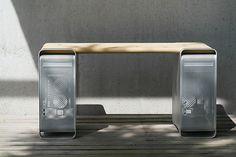 Oude Macs hergebruikt in design-meubels
