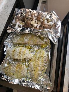 子供が大喜びする魚料理♡保育園の人気メニュー編   栄養士ママそっち~の簡単美味しいサイクル献立 Nutrition Plans, Diet And Nutrition, Healthy Cooking, Cooking Recipes, Healthy Plate, Food Plating, Japanese Food, Meal Planning, Seafood