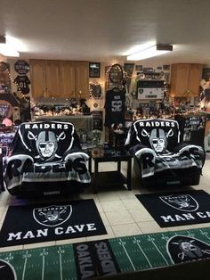 My man cave Raider Nation Oakland Raiders Man Cave Ideas, Oakland Raiders Football, Nfl Oakland Raiders, Pittsburgh Steelers, Dallas Cowboys, Raiders Vegas, Raiders Stuff, Raiders Girl, Okland Raiders