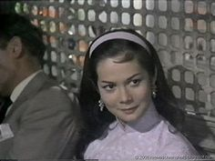 Vagebond's Movie ScreenShots: World of Suzie Wong, The (1960)