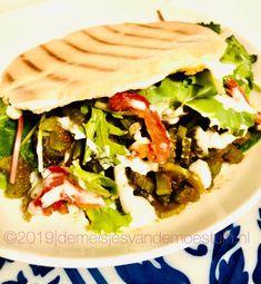 groenteshoarma van bleekselderij Vegan Vegetarian, Feta, Tacos, Mexican, Ethnic Recipes, Amsterdam, Dips, Sauces, Dipping Sauces