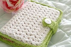 Crochet hook case with pattern