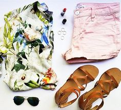@cellajaneblog has the perfect tropical cool outfit in the COMMA