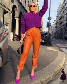 Tendências Outono/Inverno 2021 - Tudo que vai bombar na temporada Fashion Blogger Style, Orange Fashion, Colorful Fashion, Cool Street Fashion, Street Style Women, Orange Pants Outfit, Mom Daughter Matching Outfits, Sporty Outfits, Fashion Outfits