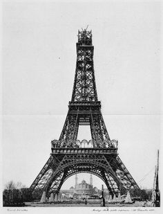The construction of the Eiffel Tower - unknown photographer