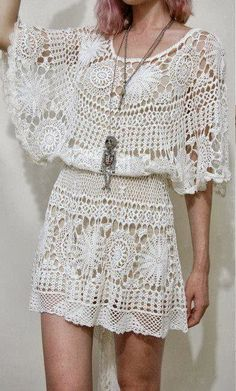 Crochetemoda: Vestidos de Crochet We really like this! Col Crochet, Crochet Woman, Crochet Blouse, Irish Crochet, Knit Dress, Crochet Skirts, Crochet Clothes, Fashion Bubbles, Beautiful Crochet
