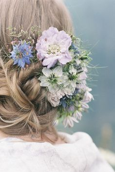 Lilac scabious and nigella wedding hair flower comb, image by taylorandporter.co.uk
