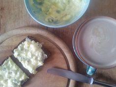 Selbstgemachter #Eiersalat aufs Brot. Omnomnom.