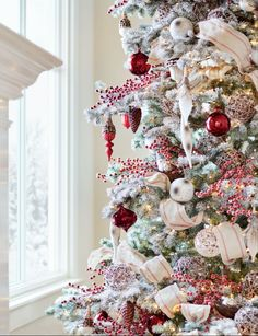 Add a sophisticated spin to a classic Christmas look. Combine these swirl glass ornaments with other BH Essentials ornaments to bring beautiful texture and shine to your holiday décor. Tree in photo: Frosted Yukon Spruce Tree