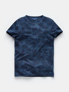 T-shirt with print darkblue Cool T Shirts, Tee Shirts, Camisa Polo, Unique Outfits, Printed Tees, Mens Tees, Custom Clothes, Men Dress, Shirt Designs