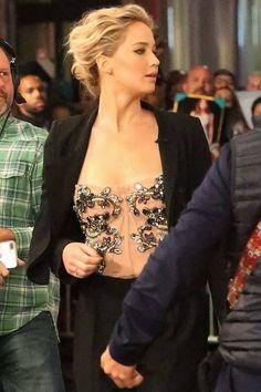 Jennifer on the Jimmy Kimmel Show. 12/12/16.