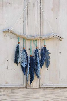 Awesome #bathbomb info are offered on our internet site. look at th s and you wont be sorry you did. Jean Crafts, Denim Crafts, Upcycled Crafts, Feather Wall Decor, Feather Crafts, Crafts With Feathers, Fabric Wall Decor, Feather Art, Wine Bottle Crafts