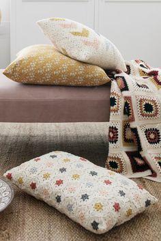 Cushion Cover Pattern, Crochet Cushion Cover, Crochet Cushions, Crochet Home Decor, Crochet Crafts, Crochet Projects, Sewing Projects, Crochet Afgans, Knit Crochet
