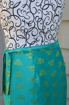 Hello friends! This is LiEr from ikatbag and I am excited to be part of Skirting the Issue. Today I am sharing links to some skirt tutorials on my blog, and showing you how to make a very simple wrap skirt out of a single piece of fabric. All of these skirts, save one (the...Read More »