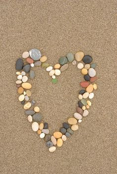 find a heart on the shore