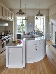 5 Curved Kitchen Counters That Go Beyond the Straight & Narrow — Kitchen Design Farmhouse Kitchen Decor, Kitchen Interior, New Kitchen, Crazy Kitchen, Long Kitchen, Kitchen Furniture, Kitchen Ideas, Luxury Kitchen Design, Best Kitchen Designs