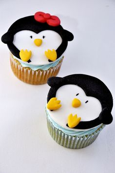 Pinguins cupcakes I love penguins! Fondant Cupcakes, Animal Cupcakes, Yummy Cupcakes, Cupcake Cookies, Sweet Cupcakes, Cupcakes Design, Cake Designs, Cupcakes Bonitos, Decorated Cookies