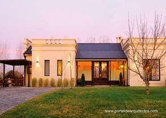 Las características que definen la personalidad de su arquitectura tienen identidad en las construcciones residenciales rurales