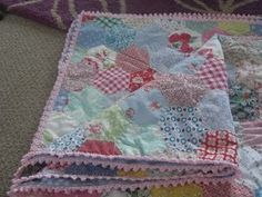 Crotchet edged quilt - lovely