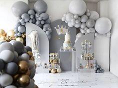 Ballon Decorations, Gender Reveal Party Decorations, Baby Shower Decorations For Boys, Baby Shower Themes, Safari Theme Birthday, Girl Birthday Themes, Boy Birthday Parties, Birthday Party Decorations, Balloon Wall