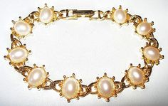 "White Cabochon Bracelet Domed Pearl Stones Gold Metal Link Style 8"" Vintage by BrightgemsTreasures on Etsy"