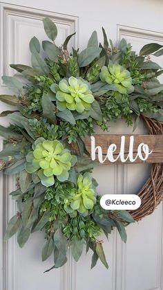 Deco Mesh Wreaths, Fall Wreaths, Christmas Wreaths, Flower Wreaths, Burlap Wreaths, Wreath Crafts, Diy Wreath, Decor Crafts, Front Door Decor