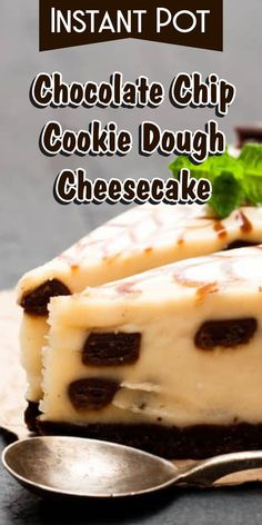 Wanna make Instant Pot Chocolate Chip Cookie Dough Cheesecake? Oh and I also have FREE pressure cooker recipes especially for you :) Creamy Cheesecake Recipe, Cookie Dough Cheesecake, Homemade Cheesecake, Breakfast Cheesecake, Cheesecake Recipes, Instapot Cheesecake, Pressure Cooker Cheesecake, Pressure Cooker Recipes, Slow Cooker