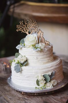 Featured photographer: Vitalic Photo; wedding cake idea