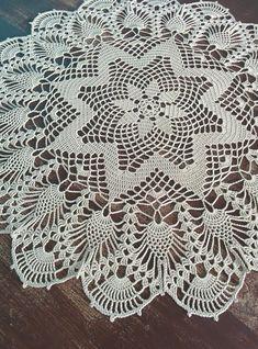 Crochet Pincushion, Crochet Mat, Crochet Stars, Easter Crochet, Crochet Doilies, Thread Crochet, Crochet Patterns Filet, Crochet Designs, Crochet Tablecloth Pattern