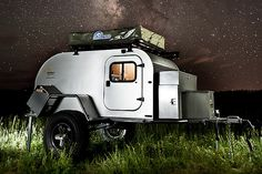 Jeep is synonymous with off-roading, add a camper to the mix and you have one hell-of-a expedition vehicle. The Jeep Action Camper by Thaler Design is one versatile sweet-looking camper that is sur… Bug Out Trailer, Off Road Trailer, Off Road Camper, Trailer Plans, Mini Camper, Trailer Tent, Hiker Trailer, Box Trailer, Adventure Trailers