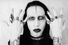 Marilyn Manson ищет группу для разогрева в Киеве!