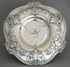 Metallic Sculpture : Athenic Silver Gorham