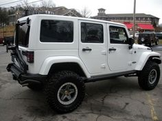 2013 White Jeep Wrangler Unlimited Sport