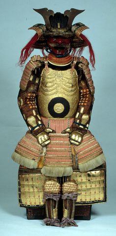 Nio dou gusoku, with the bull's-eye Kato family mon, shikawa Prefectural History Museum collection Samurai Weapons, Samurai Helmet, Samurai Armor, Arm Armor, Lamellar Armor, Chinese Armor, Warring States Period, Battle Dress, Art Of Fighting