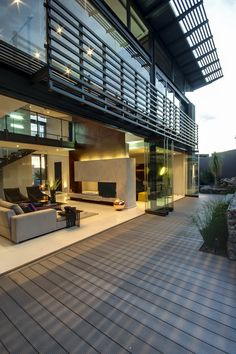 Residential & Commercial Architects - Nico van der Meulen Architects, we design innovative, luxurious homes tailored to the tastes and needs of our clients. Beautiful Houses Inside, Beautiful Homes, Modern Exterior, Exterior Design, Contemporary Architecture, Interior Architecture, House Inside, Facade House, Home And Deco