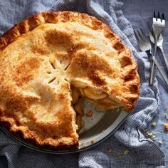 Our classic apple pie.Apple pie should have a golden-brown, tender, flaky crust, a filling with good structure and just the right amount of ba Classic Apple Pie Recipe, Perfect Apple Pie, Biscuits, Apple Pie Recipes, Apple Desserts, Egg Recipes, Fall Recipes, Dessert Recipes, Healthy Recipes