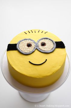 Minion cake - chiffon cake filled with freshly whipped cream and fruit cocktail, and decorated with colored whipped cream Cake Designs For Kids, Simple Cake Designs, Cake Decorating Designs, Easy Cake Decorating, Birthday Cake Decorating, Decorating Ideas, Pretty Birthday Cakes, Funny Birthday Cakes, Minion Birthday